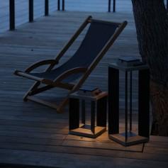 Lanterne solaire Teckalu en teck et alu noir  ht 65,5cm Les Jardins
