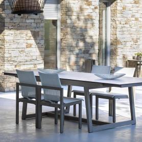 SKAAL ausziehbarer Tisch aus Duratek-Teakholz - HPL-Platte aus gewachstem Beton